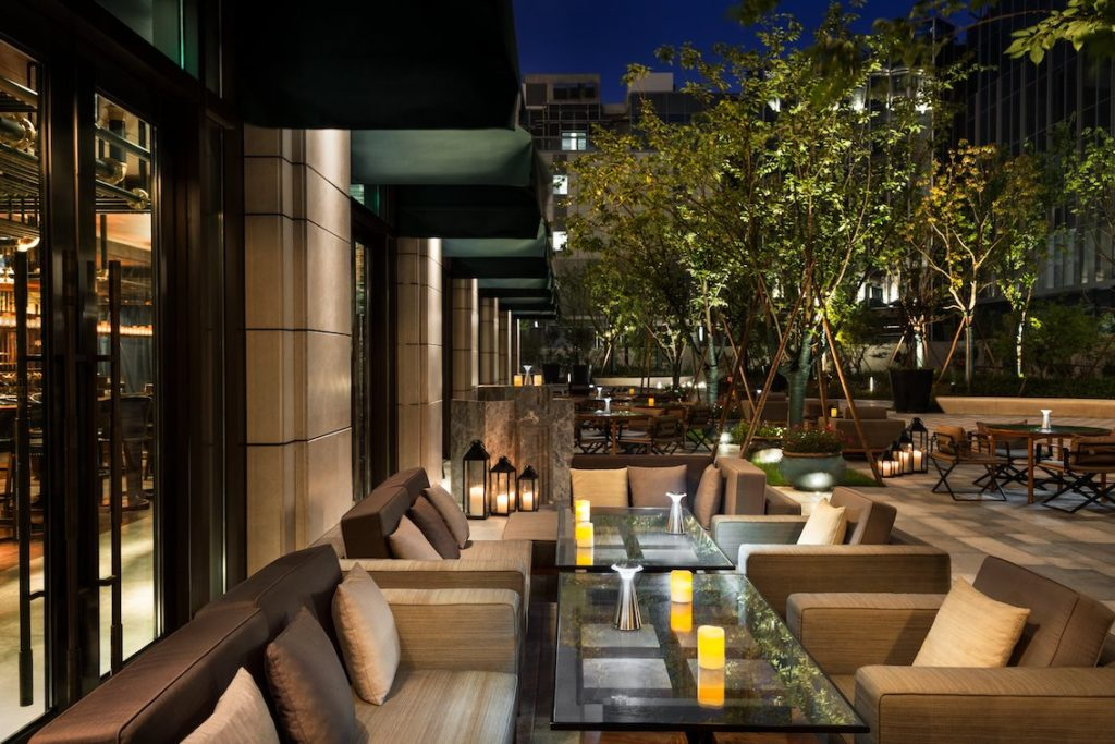 6 great Hangzhou bars with outdoor seating areas: Shangri-La